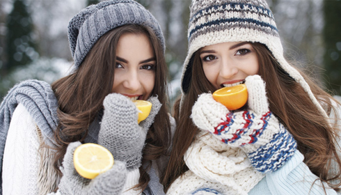 सर्दियों में अपनी त्वचा की देखभाल कैसे करें।